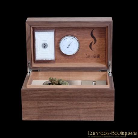 Cannaseur ® One – Nussbaum Humidor mit Zubehörfach